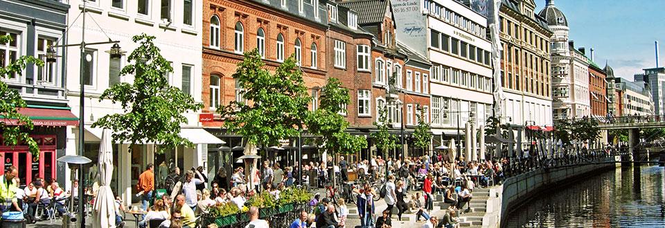 Billige Flybilletter Fra Rønnebornholm Til Aarhus Tirstrup Danmark